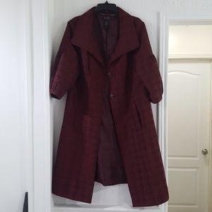 Elegant trench burgandy coat